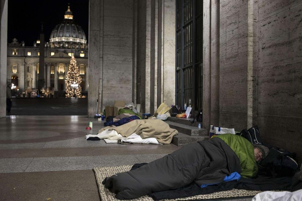 Senza tetto in Piazza San Pietro