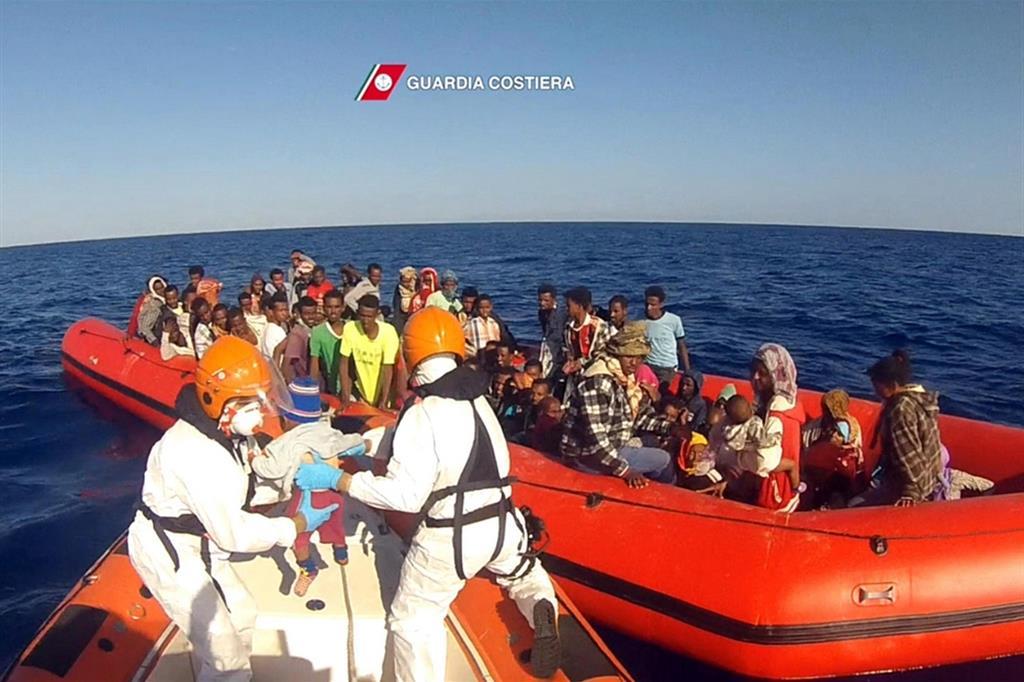 Un intervento di soccorso della Guardia costiera