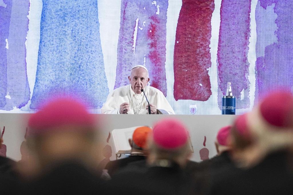 Papa Francesco sprona la Cei: avviare il cammino sinodale
