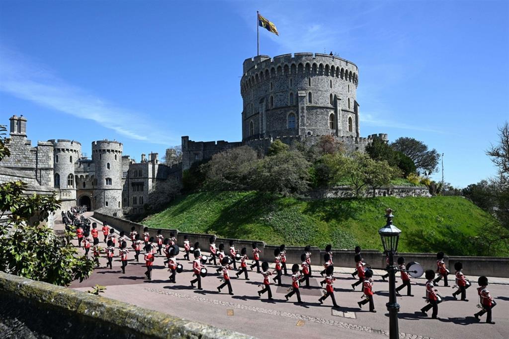 Sono 730 i militari in rappresentanza di tutte le forze armate che partecipano ai funerali del duca di Edimburgo - Reuters