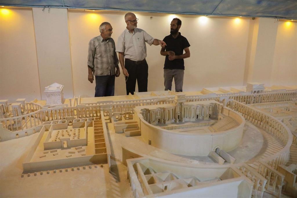 Tra gli edifici che hanno rivisto la luce c'è il Tempio di Bel, l'arco monumentale di Palmira e l'anfiteatro - Reuters
