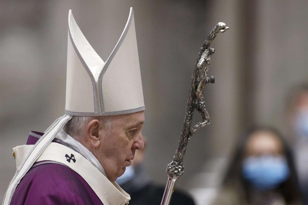 Il Papa: salvezza non è scalata per gloria ma discesa per amore