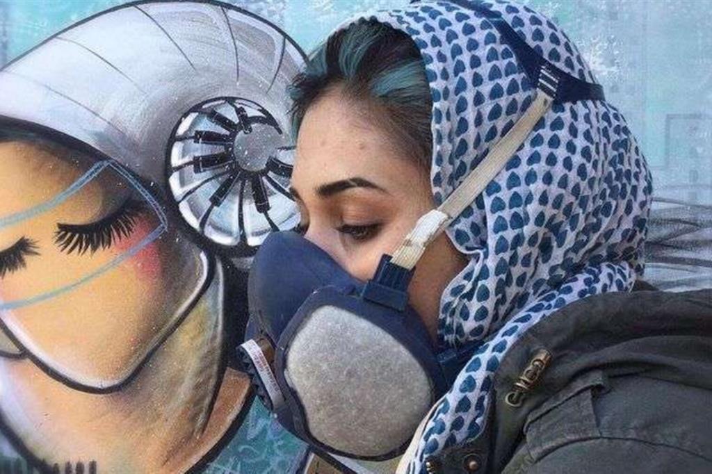 Shamsia Hassani, paladina dei diritti delle donne. Ecco chi è la street artist