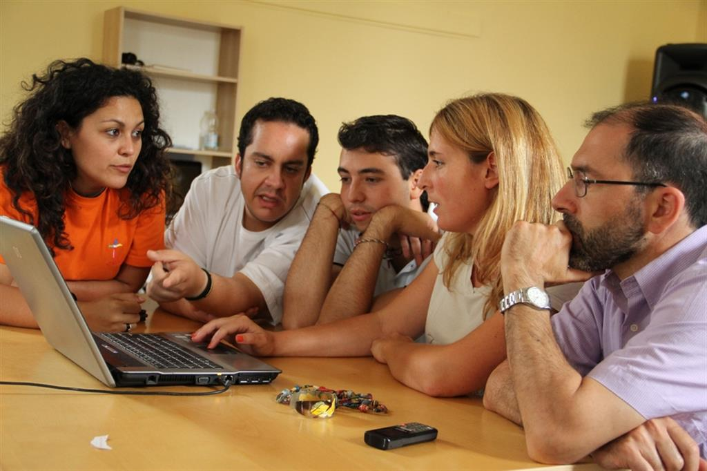 Formazione personale e locale per aiutare a trovare lavoro