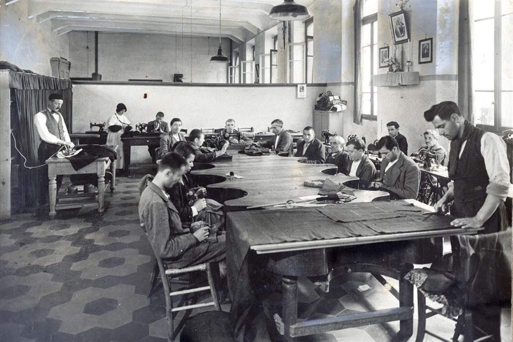 La sartoria nel 1939 - Fondazione Sacra Famiglia