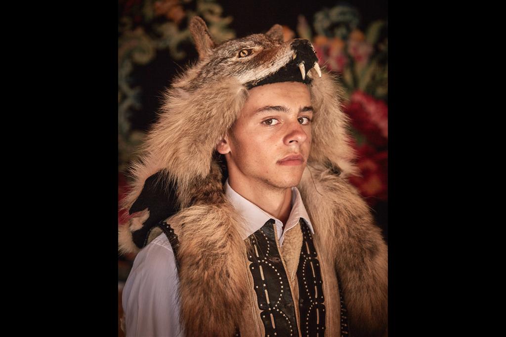 Il lupo ha un grande significato nella vita dei gagauzi. Le tracce della venerazione di questi animali sono state tramandate attraverso una leggenda. Il lupo rappresenta un simbolo di indipendenza e la sua testa è raffigurata sulla prima bandiera con cui i gagauzi hanno chiesto l'autonomia dalla Moldavia. (JanaMai_World Report Award_FFE21) - © JanaMai