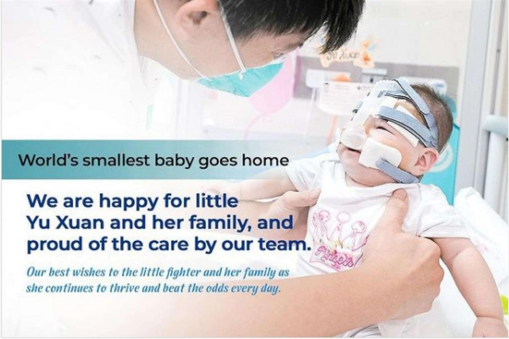 Torna a casa la neonata più piccola del mondo