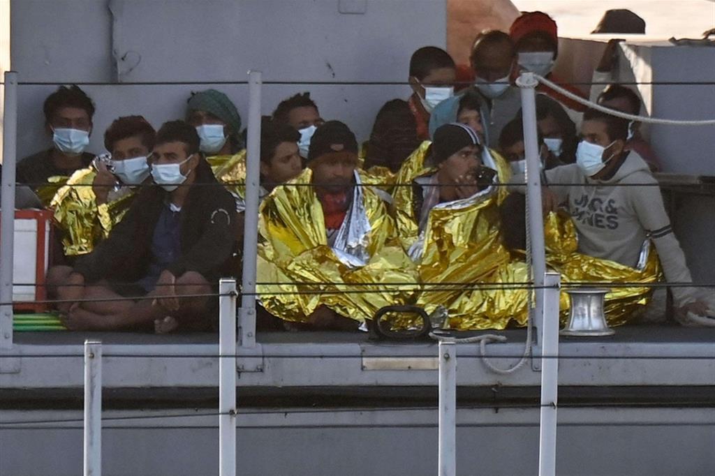 A Lampedusa conosciamo le vere storie di migranti